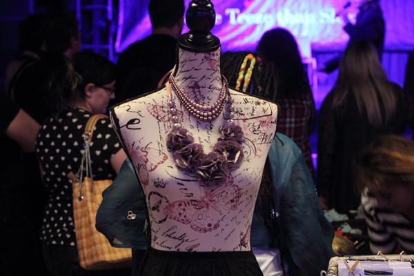 alternative & burlesque fair mannequin