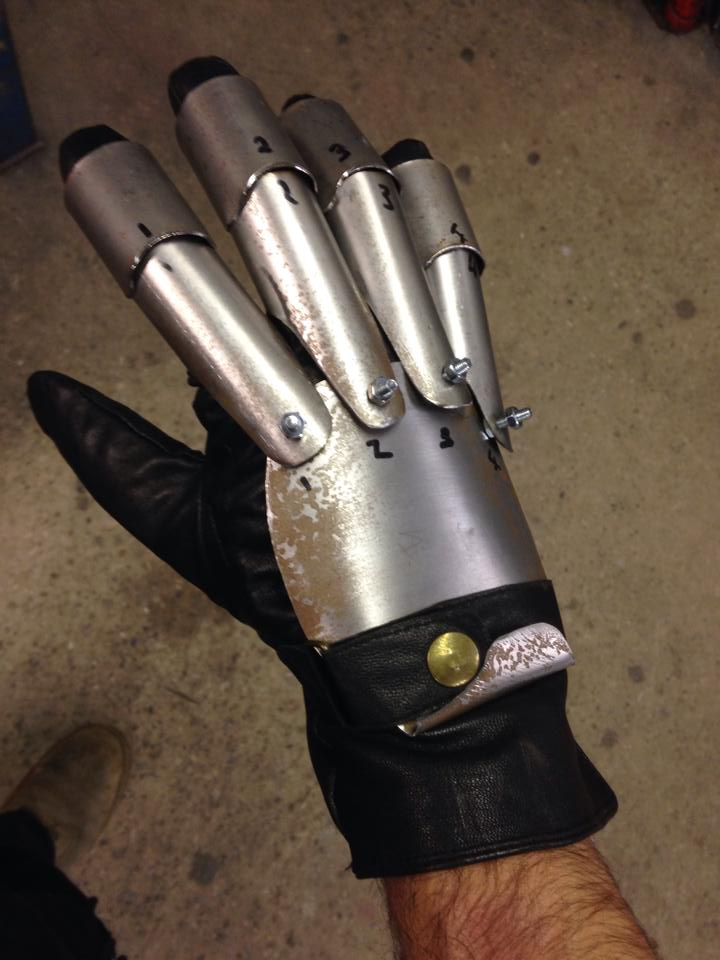 steampunk_freddy_glove_9